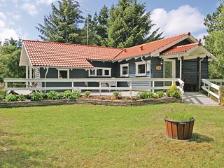 Nice home in Hadsund w/ Sauna and 3 Bedrooms (D6072)