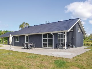 Awesome home in Storvorde w/ WiFi and 3 Bedrooms
