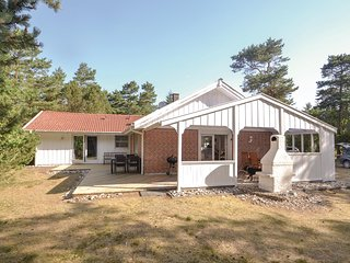 Nice home in Hadsund w/ Sauna and 3 Bedrooms (D6081)