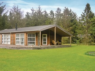 Awesome home in Hadsund w/ WiFi and 4 Bedrooms