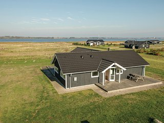 Awesome home in Storvorde w/ Sauna, 4 Bedrooms and WiFi (D61600)