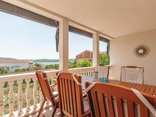 Beautiful home in Pirovac w/ WiFi and 2 Bedrooms