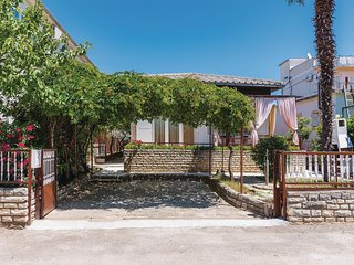 Nice home in Vodice w/ WiFi and 3 Bedrooms (CDJ465)