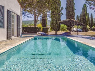 Amazing home in St Florent w/ WiFi and 5 Bedrooms