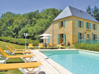 Nice home in Gourdon w/ WiFi and 4 Bedrooms