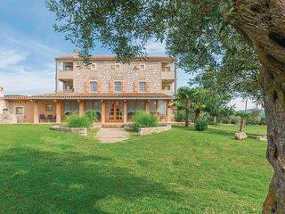 Casa perfetta per famiglie circondata da uliveti