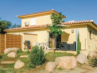 Nice home in Solaro w/ WiFi, 1 Bedrooms and Outdoor swimming pool