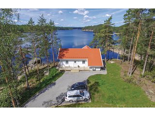 Stunning home in Årjäng w/ WiFi and 3 Bedrooms