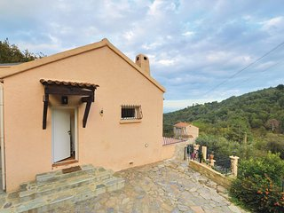 Amazing home in Venzolasca w/ 2 Bedrooms