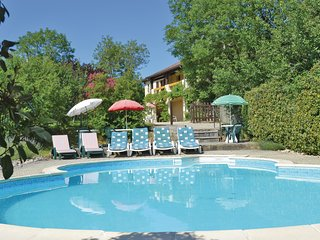 Amazing home in Ginouillac w/ WiFi, Outdoor swimming pool and 3 Bedrooms