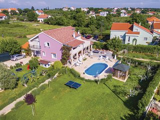 Nice home in Policnik w/ WiFi and 6 Bedrooms (CDZ217)
