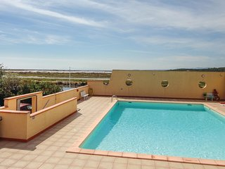 Awesome home in Gruissan w/ Outdoor swimming pool and 1 Bedrooms