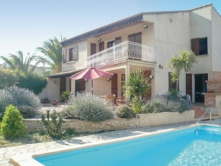 Amazing home in Ventenac w/ WiFi, Outdoor swimming pool and 3 Bedrooms (FLA222)