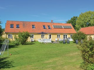 Beautiful home in Vejby w/ WiFi and 6 Bedrooms