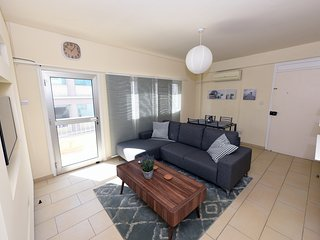 Spacious 2 bedroom penthouse in town centre