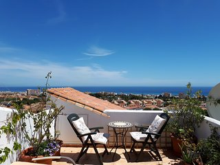 Spectacular Sea Views! Penthouse with Private Roof Terrace BBQ Sleeps 5 Wifi AC