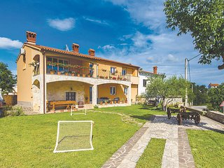 Awesome home in Orbanici w/ WiFi and 2 Bedrooms (CIC428)