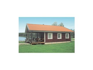 Nice home in Holmsjo w/ Sauna and 3 Bedrooms