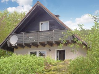Stunning home in Marienmünster w/ 3 Bedrooms and WiFi (DWE920)