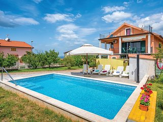 Stunning home in Kastel with WiFi and 1 Bedrooms (CIU473)