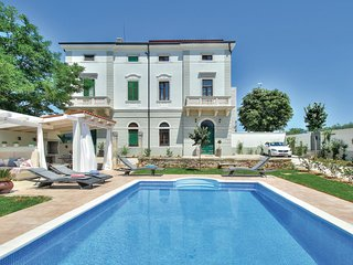 Stunning home in Novigrad w/ WiFi and 2 Bedrooms (CIU626)