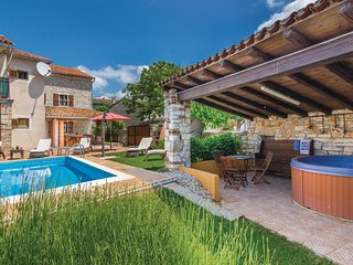 Amazing home in Kanfanar w/ WiFi and 3 Bedrooms
