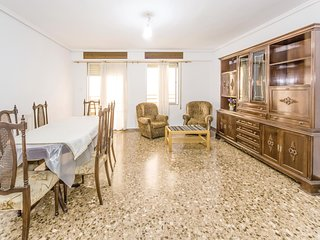 Beautiful home in Sagunto w/ 4 Bedrooms
