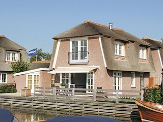 Stunning home in Breukelen w/ 3 Bedrooms and WiFi