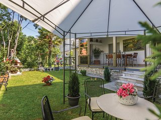 Awesome home in Rovinj w/ WiFi and 3 Bedrooms (CIV603)