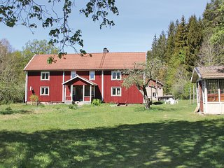 Awesome home in Backaryd w/ 5 Bedrooms