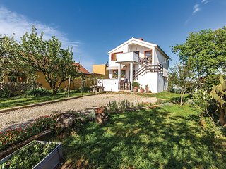 Amazing home in Radeki Polje w/ WiFi and 1 Bedrooms (CIC457)