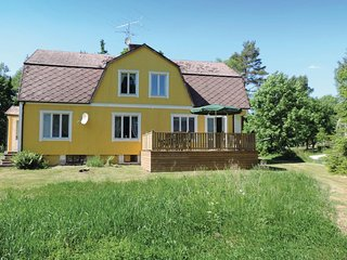Amazing home in Markaryd w/ Sauna and 6 Bedrooms