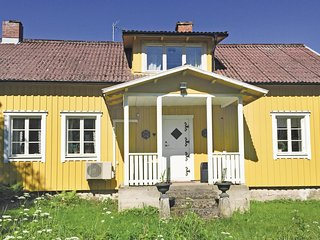 Amazing home in Markaryd w/ Sauna and 4 Bedrooms