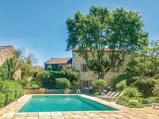 Awesome home in Thezan des Corbieres w/ WiFi and 6 Bedrooms