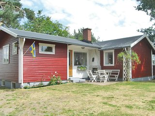 Stunning home in Lidhult w/ Sauna, WiFi and 2 Bedrooms