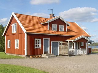 Nice home in Vittaryd w/ 3 Bedrooms