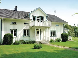 Nice home in Gislaved w/ Sauna, WiFi and 4 Bedrooms