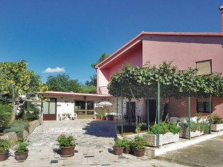 Nice home in Putini w/ WiFi and 1 Bedrooms