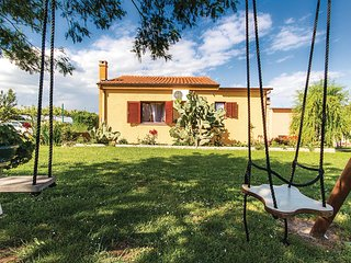 Awesome home in Liznjan w/ WiFi and 2 Bedrooms (CIZ272)