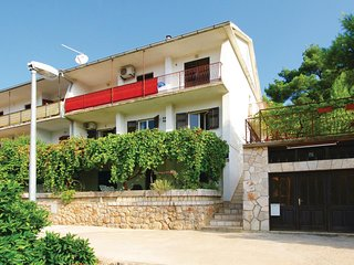 Stunning home in Jelsa w/ WiFi and 2 Bedrooms