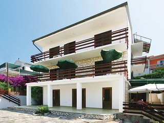 Stunning home in Hvar with WiFi and 3 Bedrooms (CDH223)