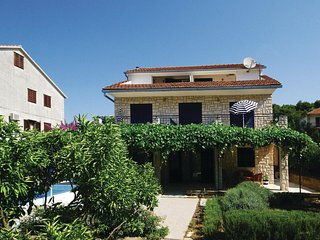 Nice home in Stari Grad w/ WiFi and 0 Bedrooms