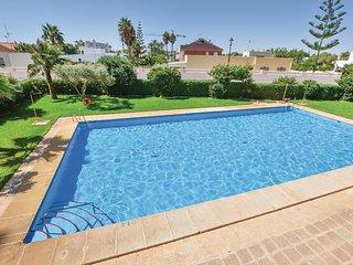 Beautiful home in Roquetas de Mar w/ WiFi, Outdoor swimming pool and 2 Bedrooms