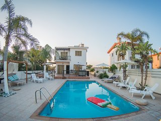 Villa Niki (Private pool, 90 meters from beach,Near to Nissi Beach)