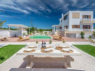 Private Villa In Milos