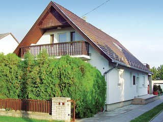Beautiful home in Balatonfenyves w/ WiFi and 4 Bedrooms