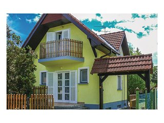 Awesome home in Balatonfenyves w/ 1 Bedrooms
