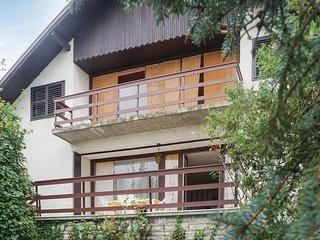 Amazing home in Balatonalmádi w/ WiFi and 5 Bedrooms