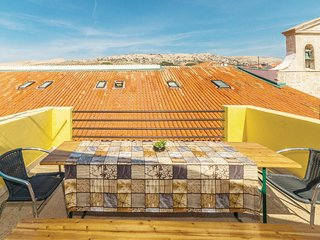Nice home in Pag w/ WiFi and 5 Bedrooms