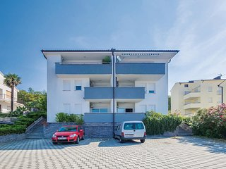 Awesome home in Dramalj w/ WiFi and 2 Bedrooms